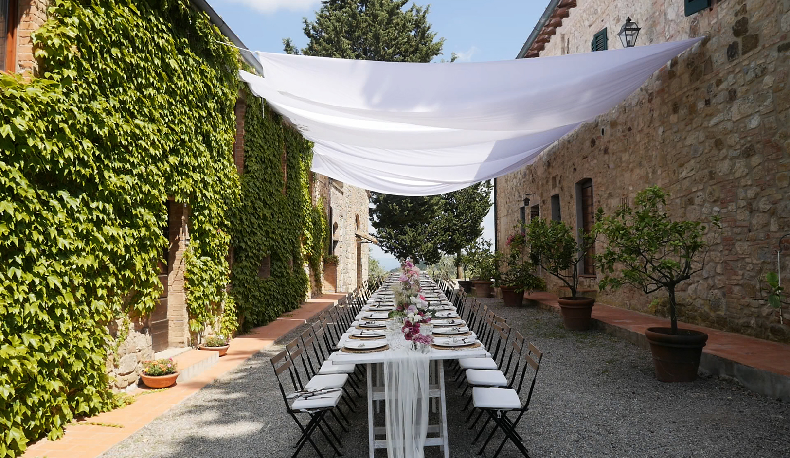 wedding-in-fattoria-of-larniano-flowers.jpg