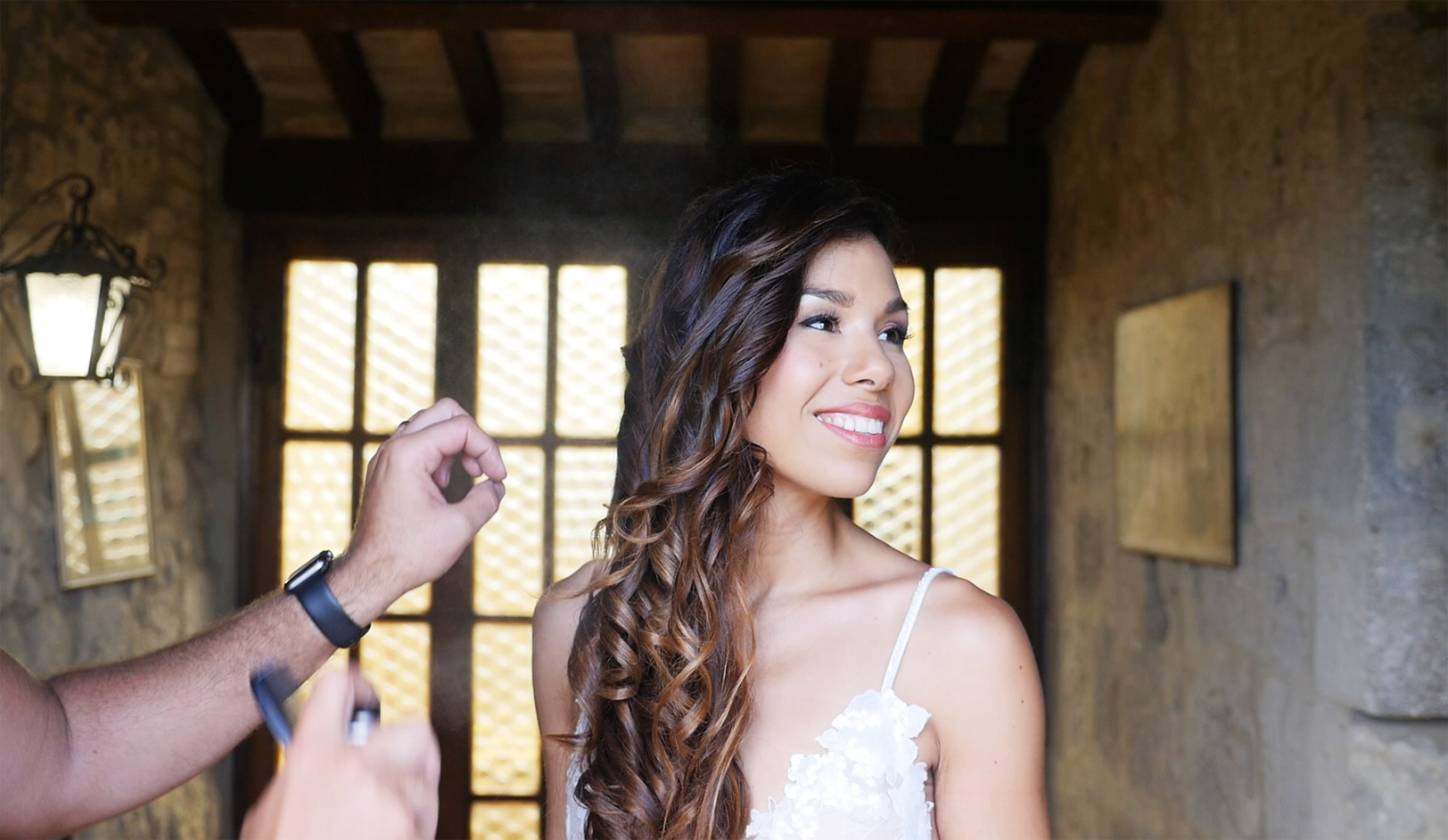 wedding-in-tuscany-bride-gettingready.jpg