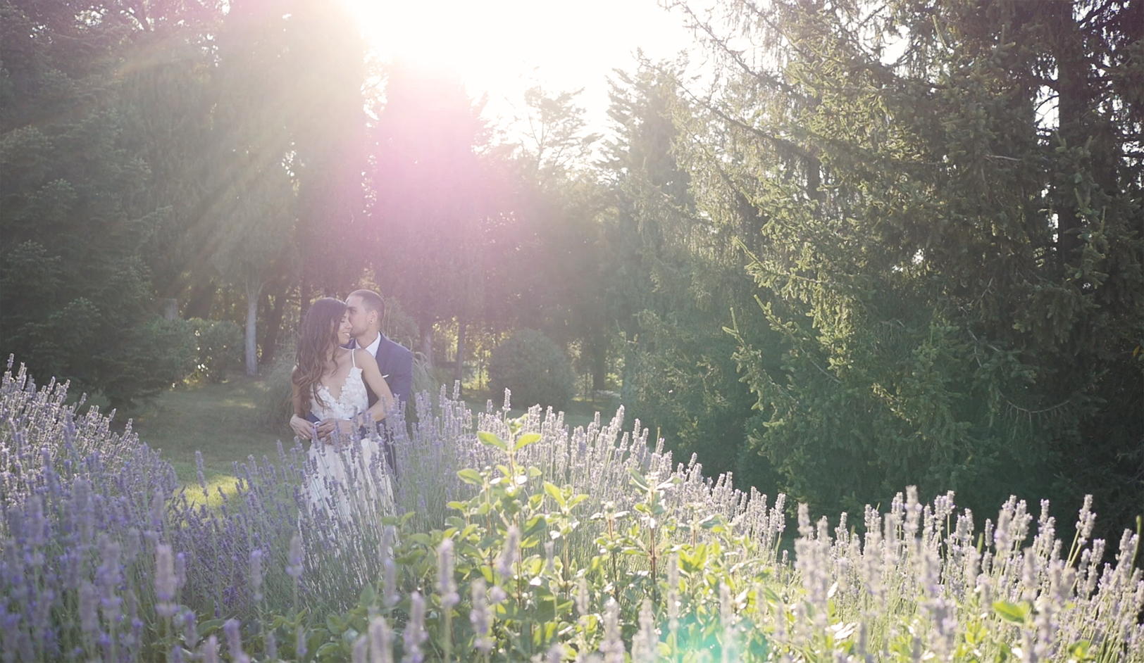 wedding-in-tuscany-bride-groom.jpg