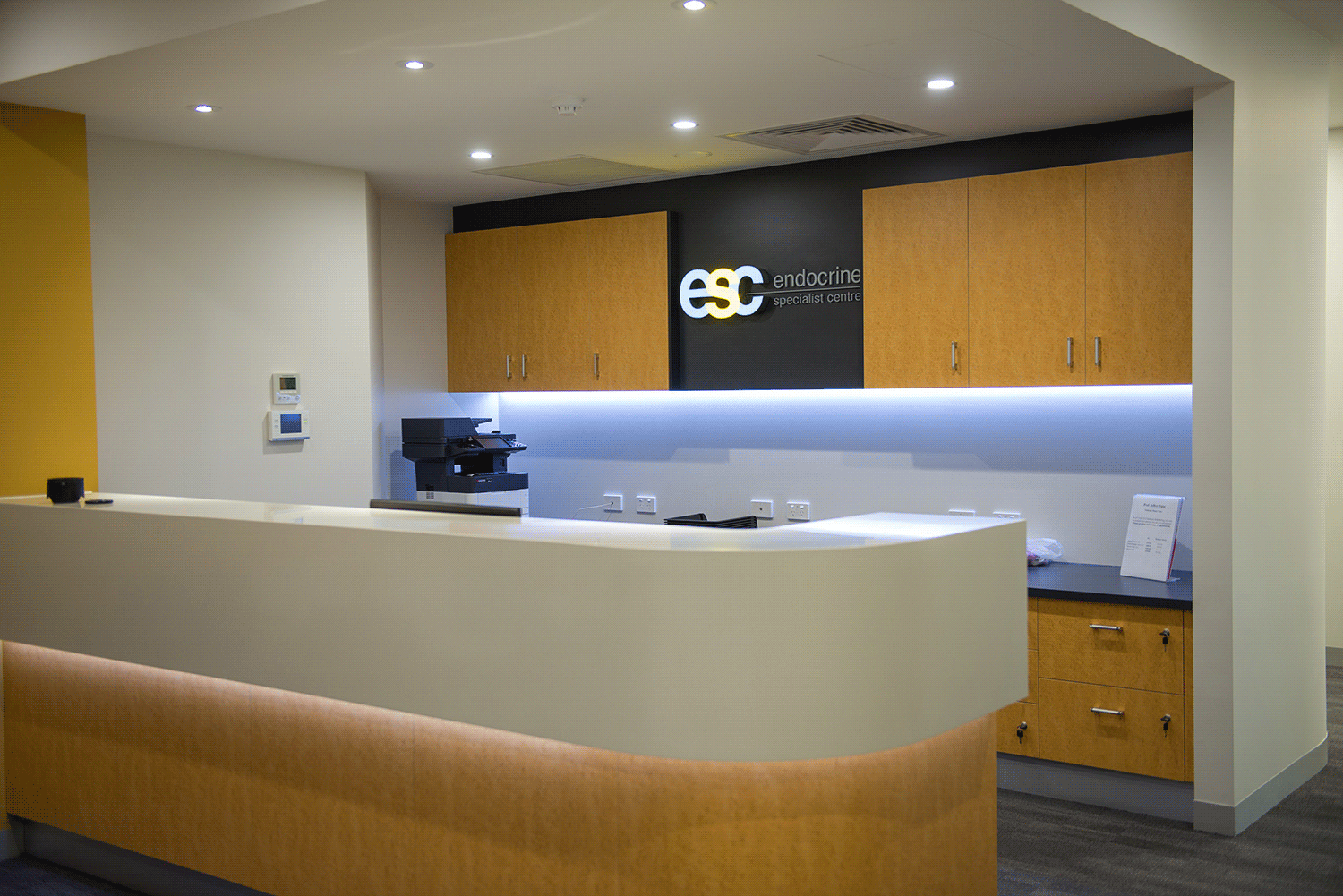 Endocrine Specialist Centre Reception Outside 3.png