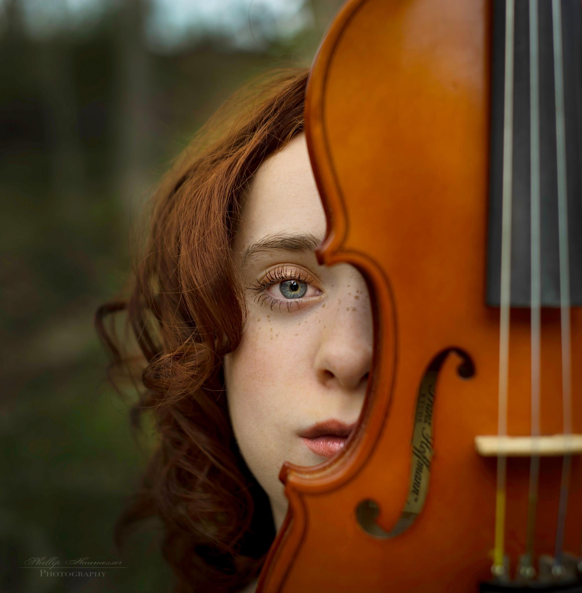 girl-with-violin.jpg