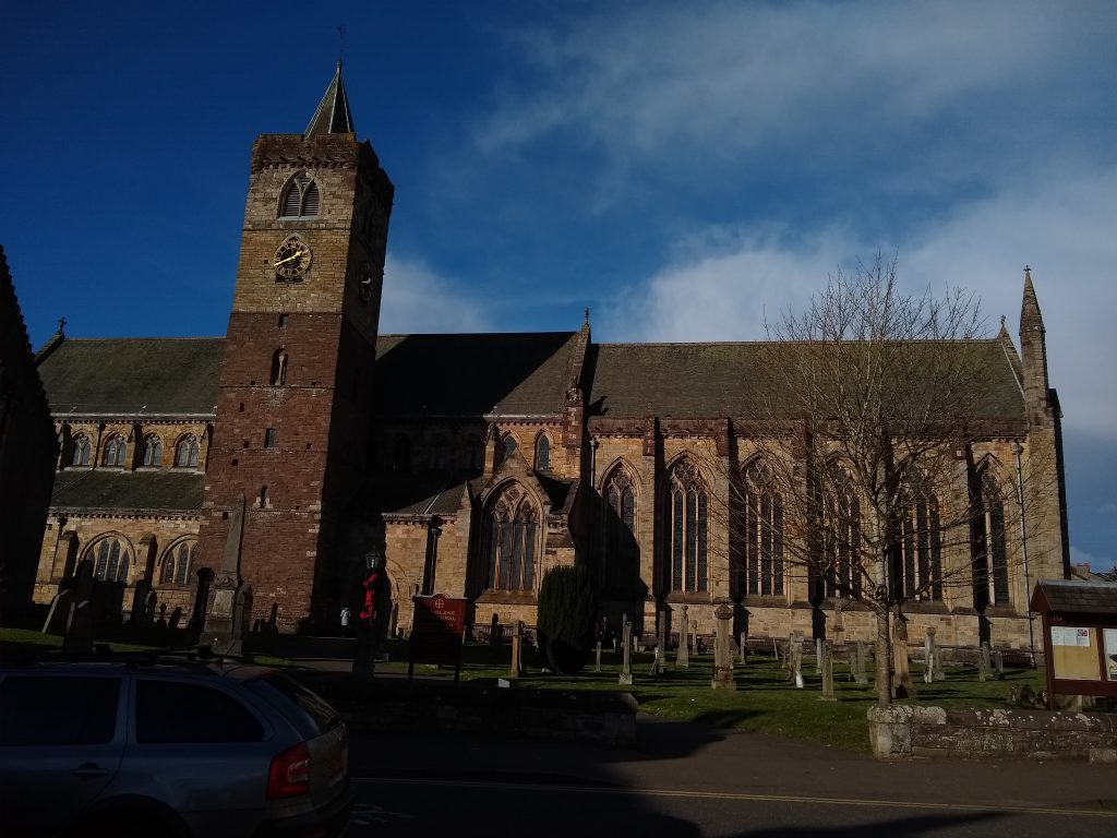 dunblane_cathedral_willy_wallace_hostel_cheap_accomodation_stirling-1024x768.jpg