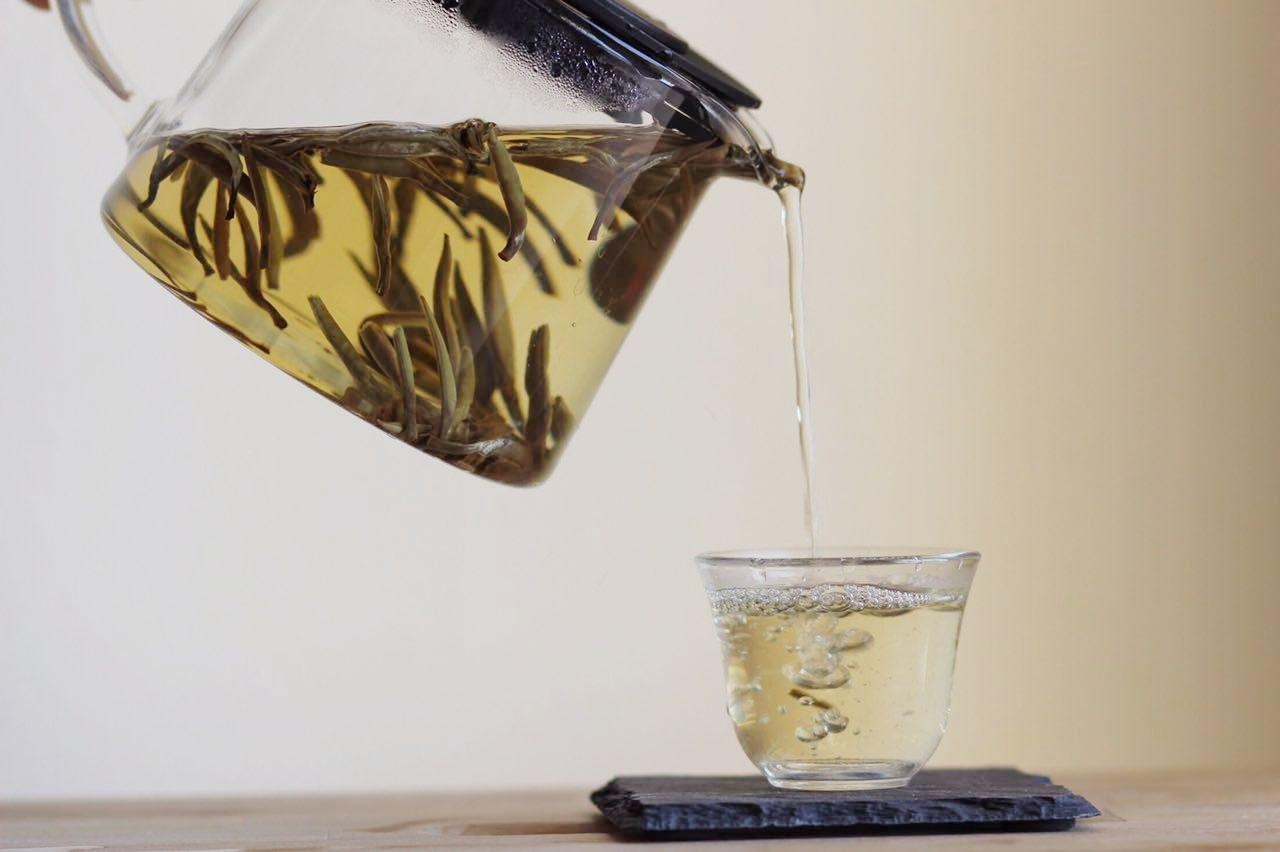 WHITE TEA IS RICH IN ANTIOXIDANTS - White tea, being the least processed among all true tea types, potentially retains the highest amount of active compounds that can help delay, prevent and manage metabolic disorders, encourage weightloss and prevent pre-mature aging.
