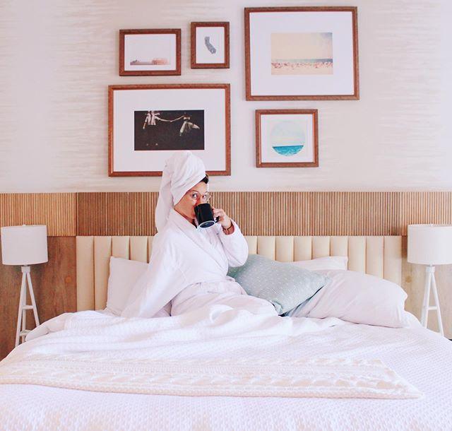 Celebrating my (almost) 3 year anniversary living in hotel rooms with a little self-care Sunday ✈️🎉 . . . . . . . .  #wellnessblogger #holistichealing #healthandwellness #personalgrowth #blogginggals #selfgrowth #sheisnotlost #selfloveclub #girlswhowander #girlswhohike #meetthemoment #seekthesimplicity #mentalhealthawareness #blogginggals #travelblogger #ontheblog #travelhealthy #intentionalliving #mindbodysoul #holisticliving #dreamers #helpothers #GLT #girlslovetravel #flightattendantlife #hotel #travel