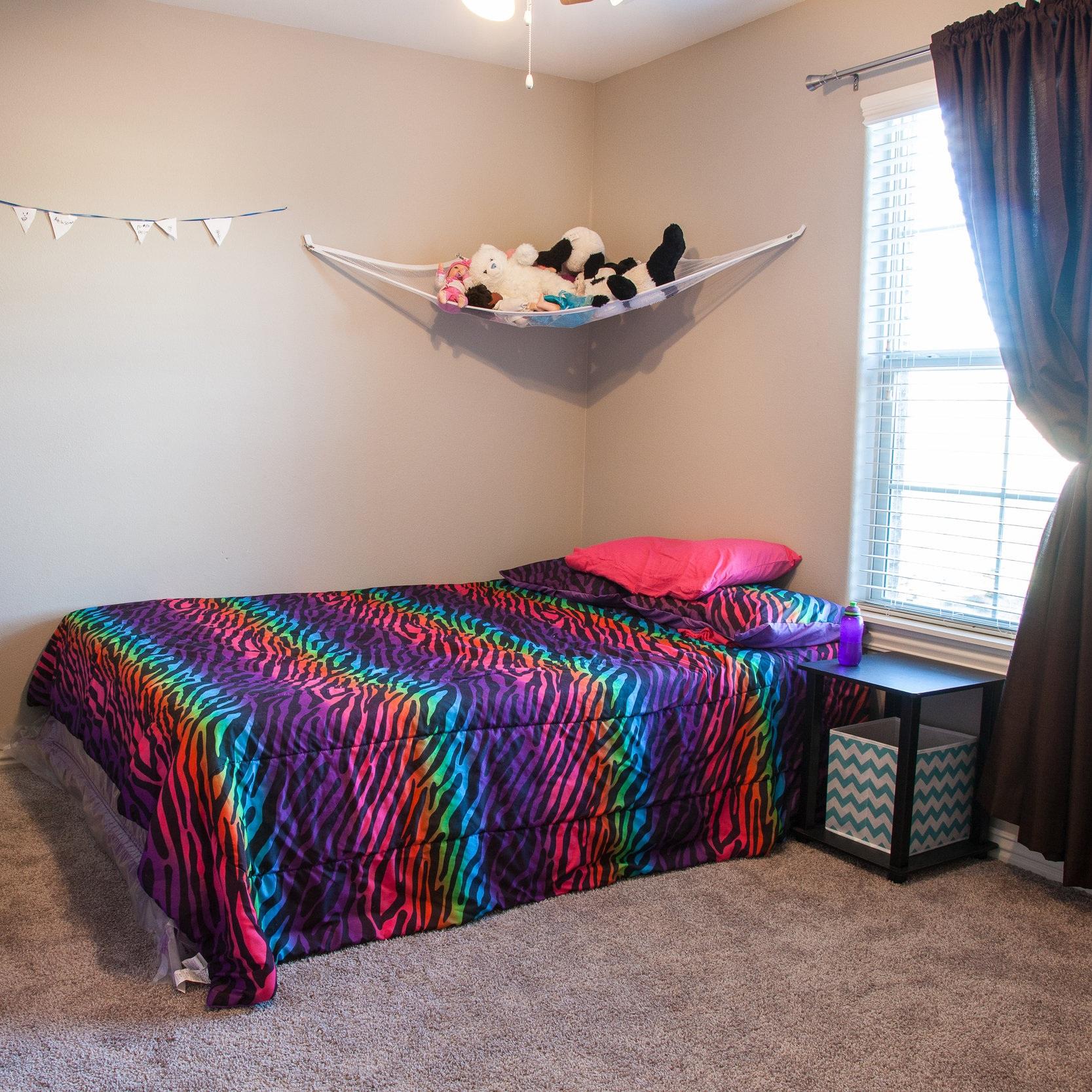 Girl's room after.jpg