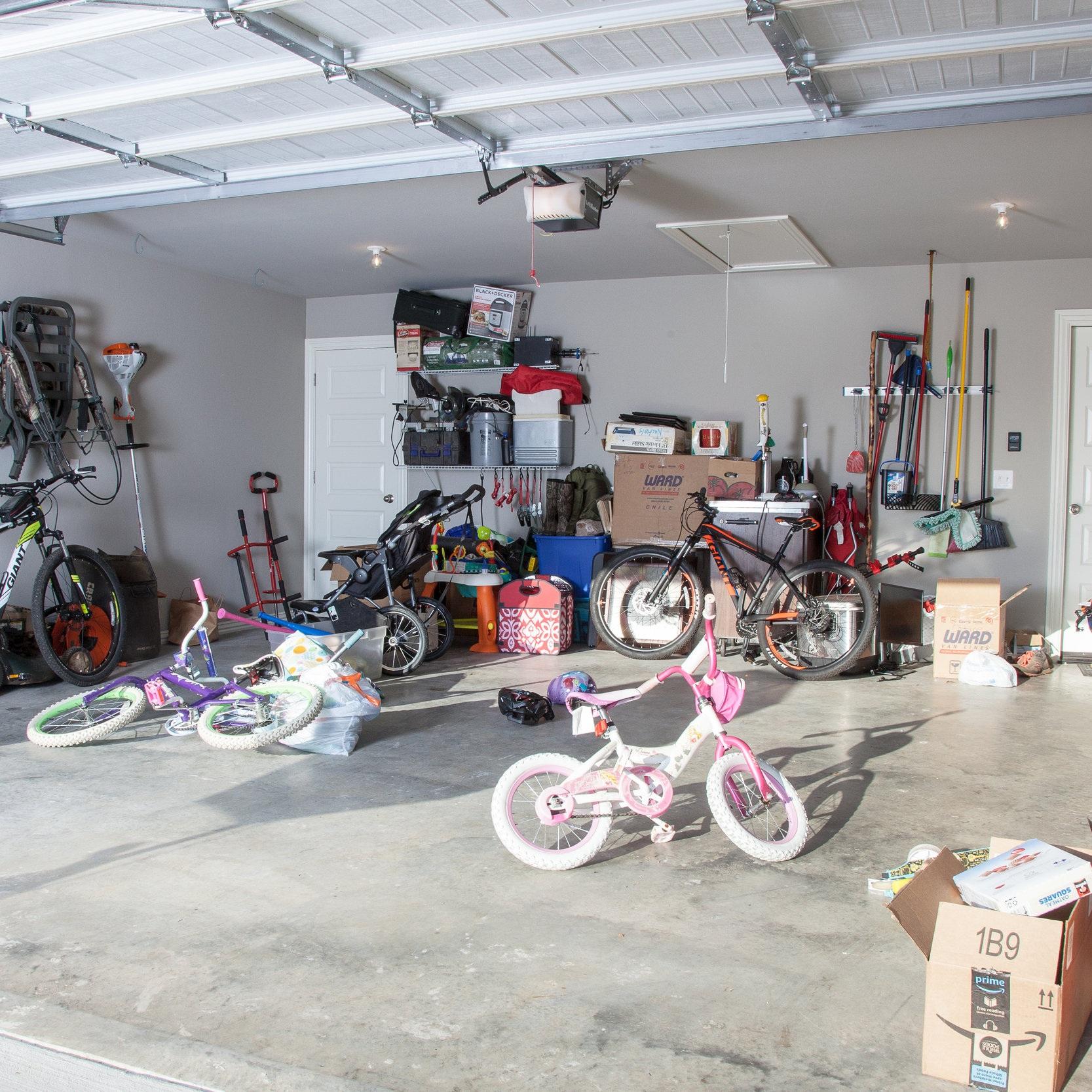 Garage Silaom before.jpg