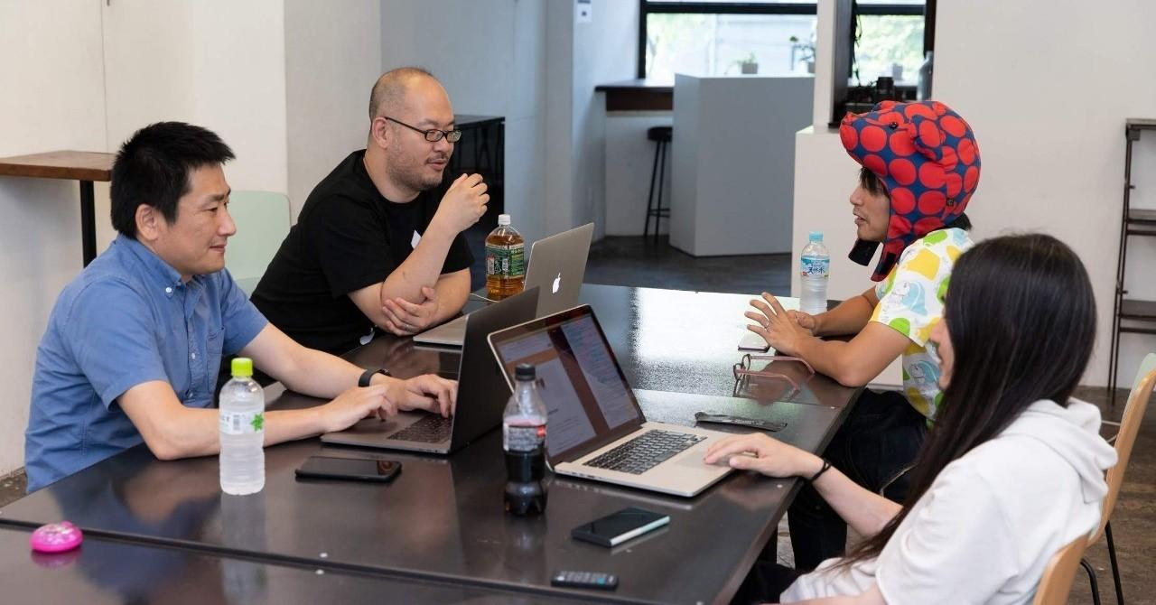 「外部CTO」とは何か - BASSDRUMでは毎月、内外のテクニカルディレクターやエンジニアのみなさんが集まって情報交換をする「総会」という催しをやっています。回を重ねるごとに来てくださる方も増えていて、職能コミュニティという考え方も徐々に板についてきた気がします(2月には、公開イベントとしての公開総会もやってみました)。
