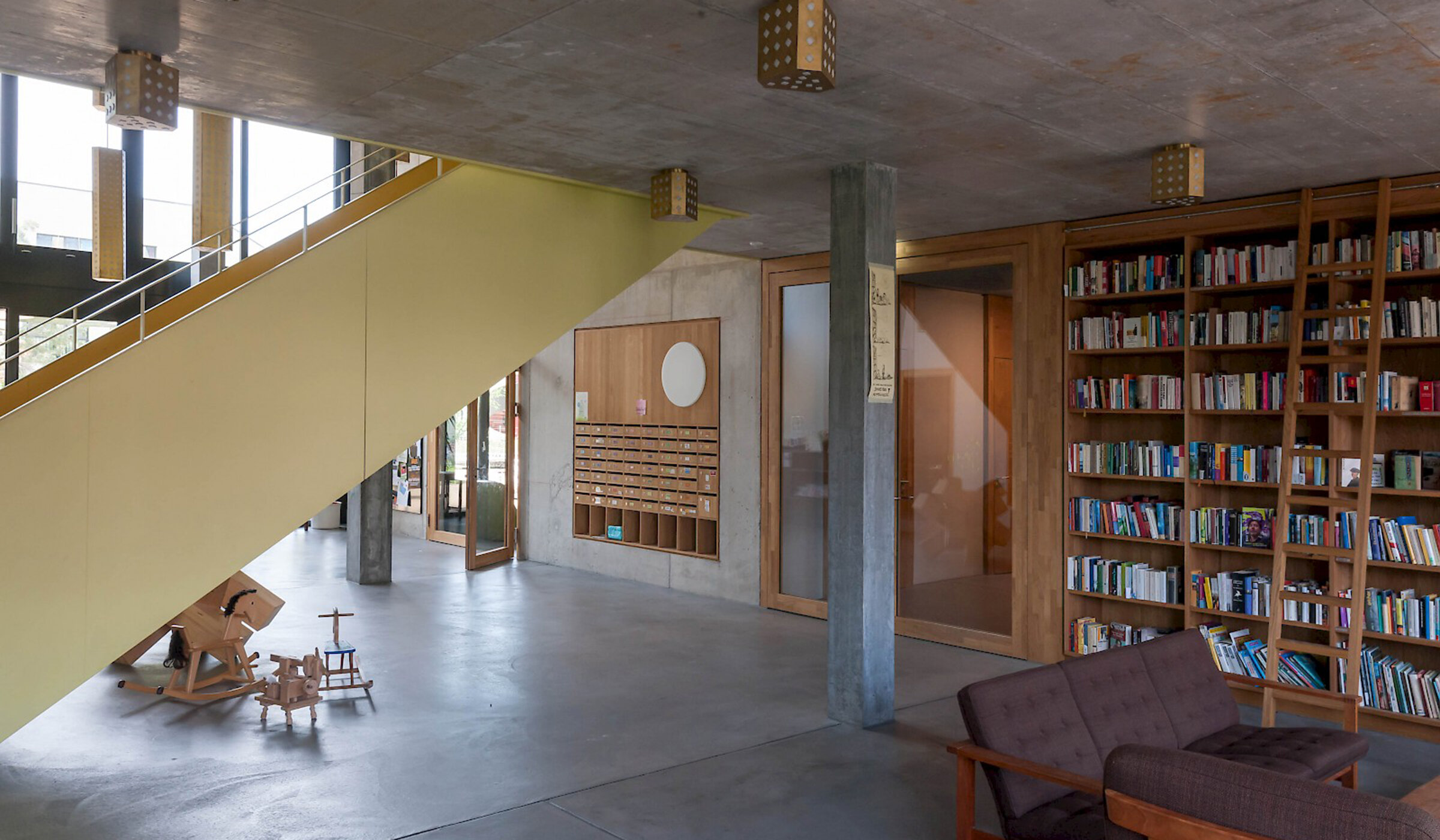 Entrance-hall-Kalkbreite-Zurich.jpg