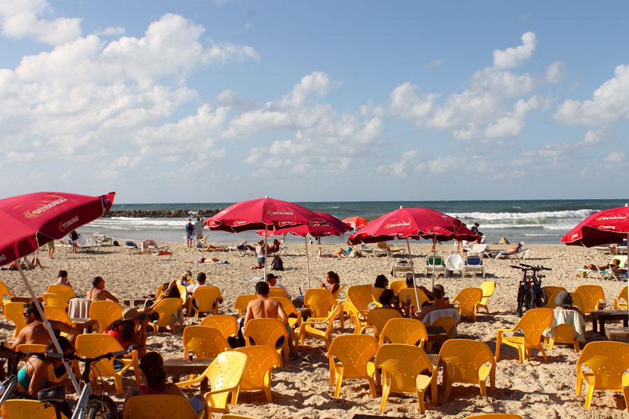 tel aviv beach 3.jpg