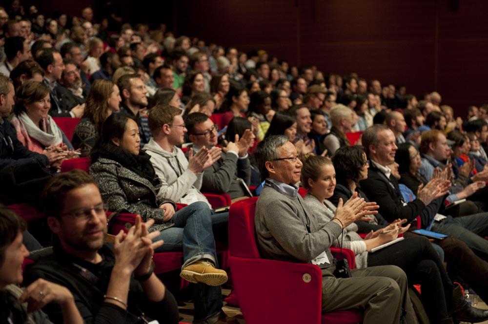 Preview Events - visualized conference - main stage presentation - times center audience.jpg