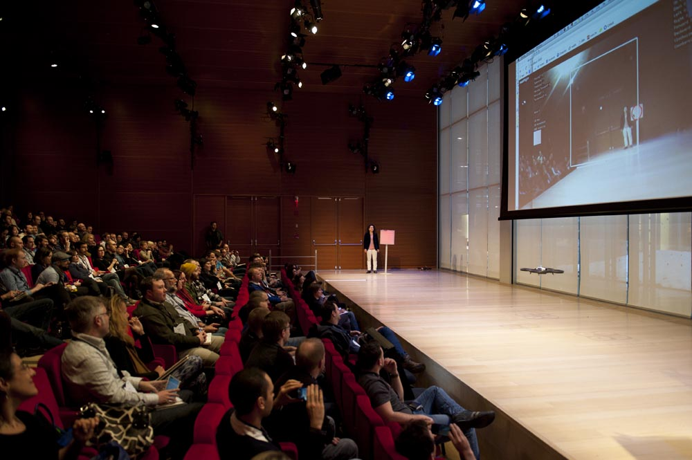 Preview Events - visualized conference - main stage projection - times center.jpg