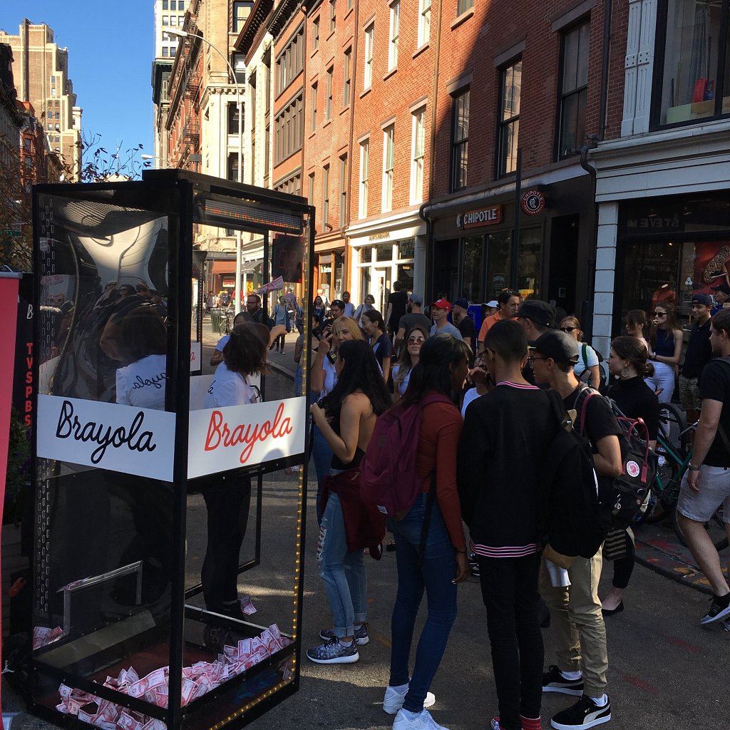 Preview Events - Brayola - cash machine activation - led lights.jpg