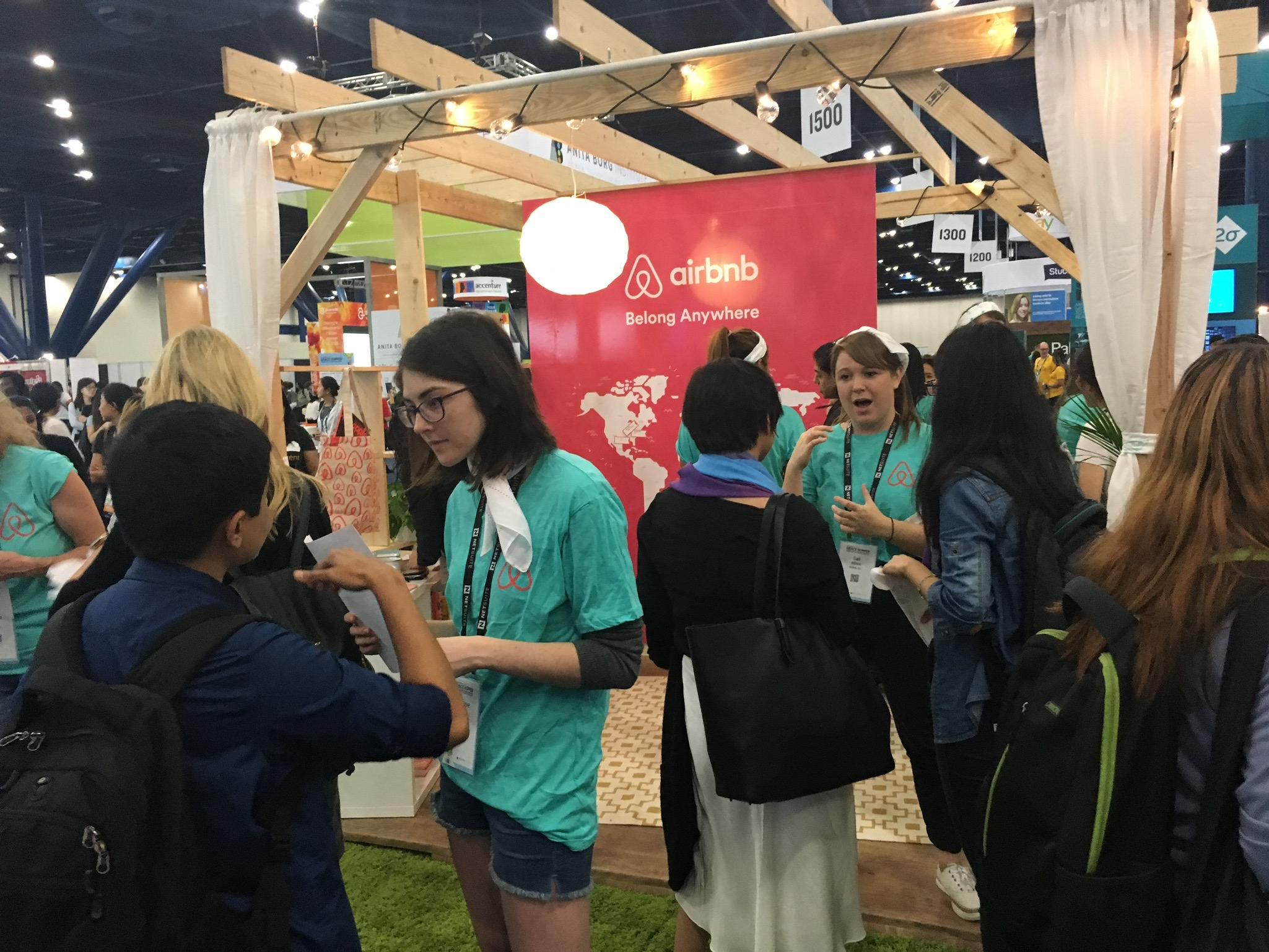 Preview Events - Airbnb - pop up booth.jpg