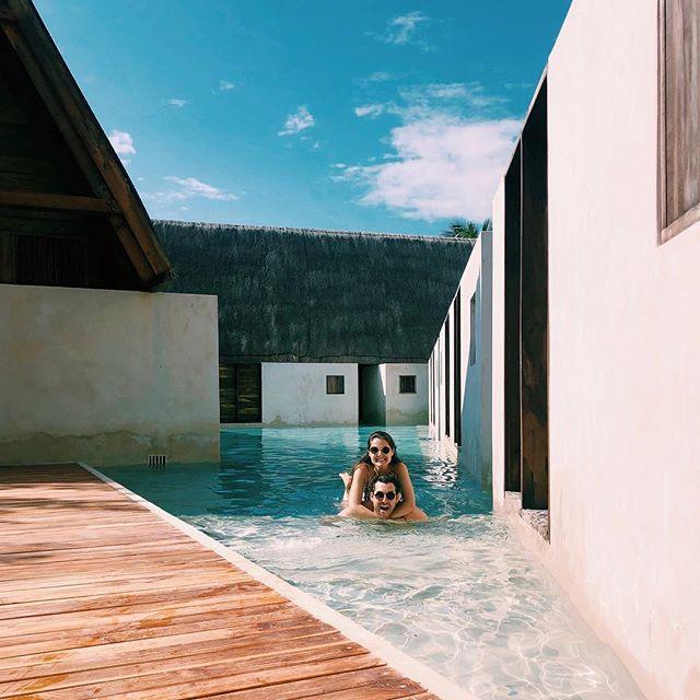 My favorite pool float + my new favorite pool! 💙 @puntacaliza
