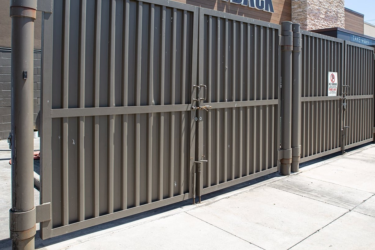 Fencing & Rails - Handrails and pool fencing make your home or business safe and professional. Arc welcomes custom welds the perfect design with great customer service and quick turnaround.