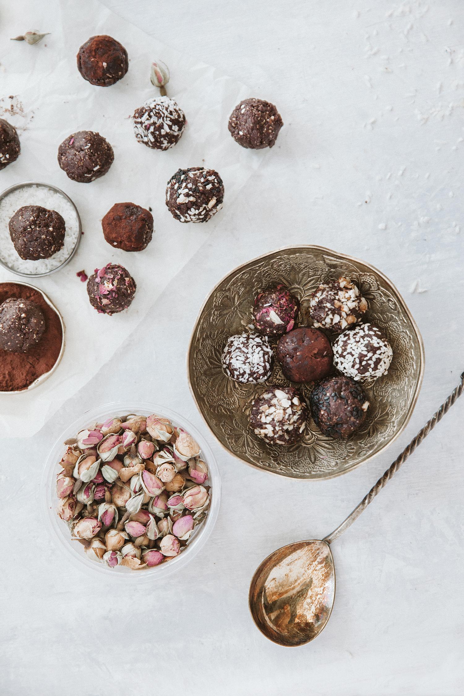 Chocolate energy bites - Šokoladiniai energijos kąsneliai