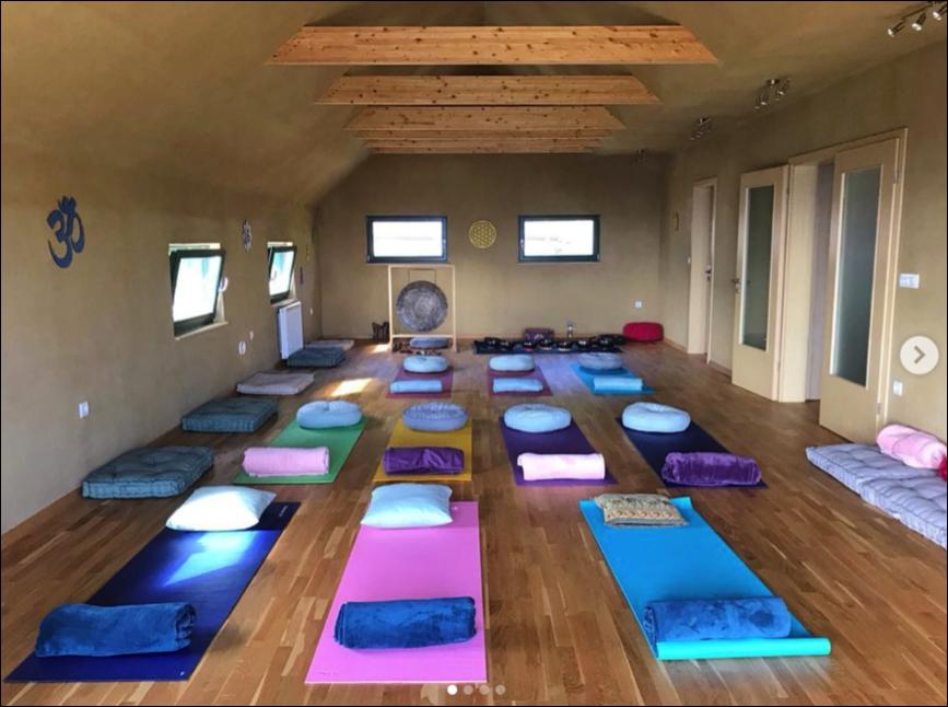 Veduna Yoga Studio.png