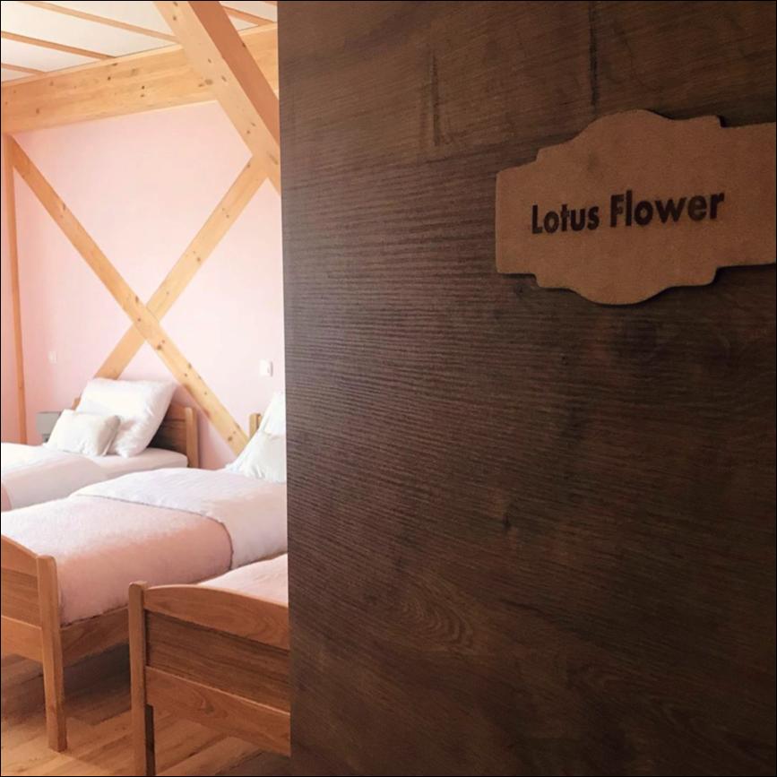 Veduna Lotus bedroom.png