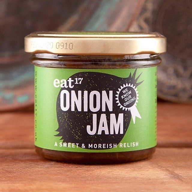 It's not ALL about bacon over here....did you know we make an onion jam? Did you know it is #VEGAN? 🌱 You do now! Happy #worldveganday everyone! 💚 . Click the link in our bio 👆🏻to send you straight over to our online shop! 🛒