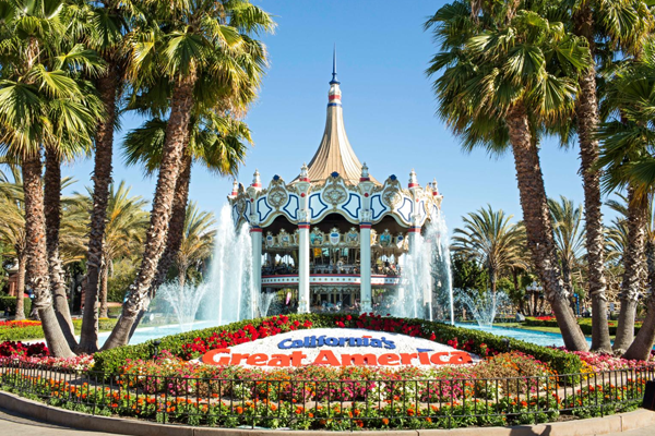 Great America Sign with fountains and a carousel.