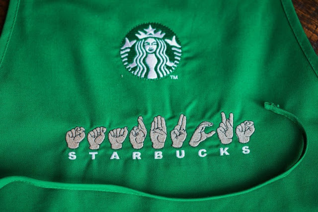 Starbucks-inaugura-primer-café-para-personas-con-discapacidad-auditiva-08.jpg