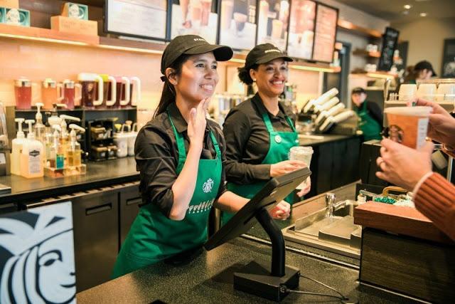 Starbucks-inaugura-primer-café-para-personas-con-discapacidad-auditiva-01.jpg