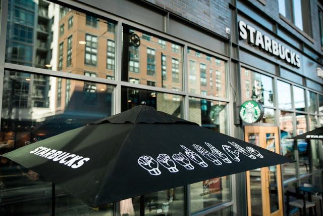 Starbucks-inaugura-primer-café-para-personas-con-discapacidad-auditiva-06.jpg