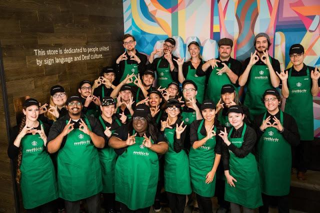 Starbucks-inaugura-primer-café-para-personas-con-discapacidad-auditiva-11.jpg