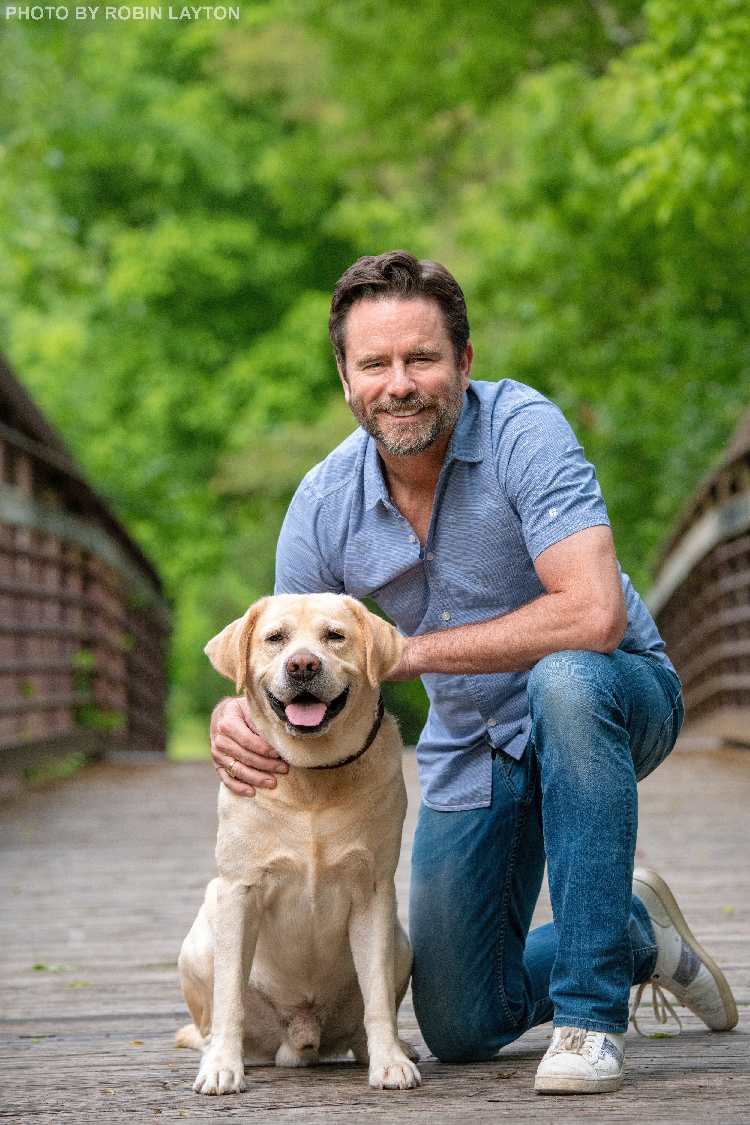 Charles Esten and Blue for A Letter To My Dog.jpg