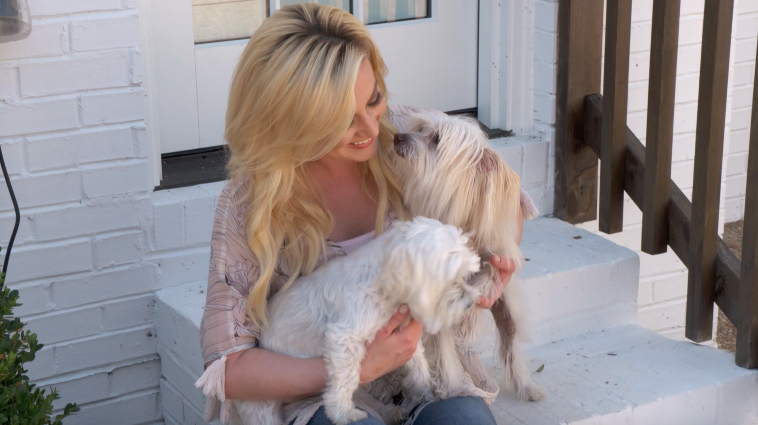 Kellie Pickler with Pixie and Peanut.png