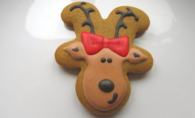 girl+reindeer+cookie+jellybeantrail.jpg