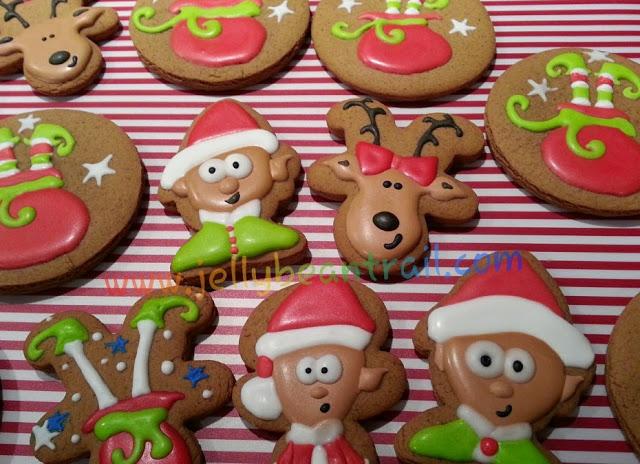 Christmas Gingerbread Cookies www.jellybeantrail.com.jpg