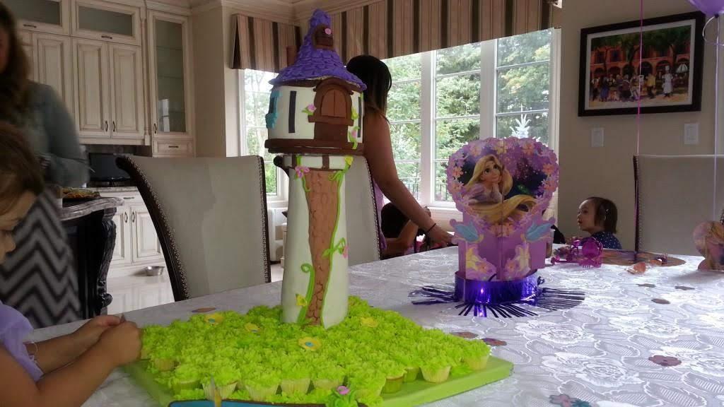 Tangled Disney Princess cake