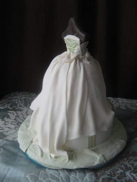 Boutique wedding dress cake