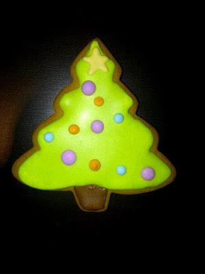 Christmas tree gingerbread 2011.jpg