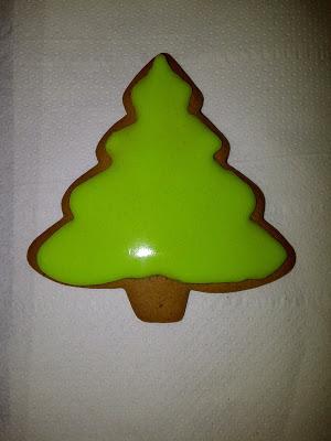 christmas tree gingerbread royal icing.jpg