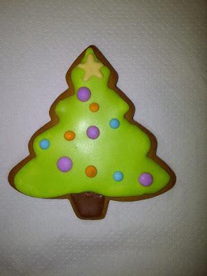 christmas tree gingerbread decorated.jpg