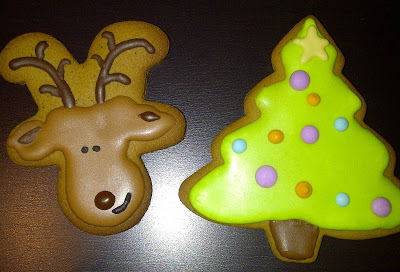 Christmas reindeer and tree gingerbread with royal icing letter2design jelly bean trail.jpg