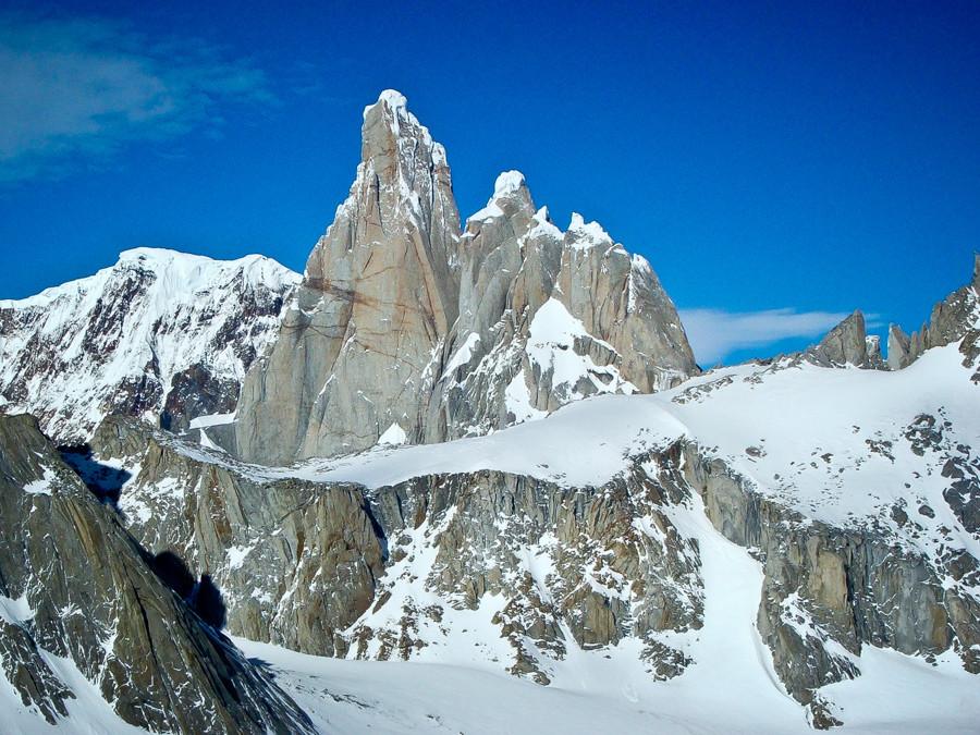 View over Filo del Hombre Sentado (Sitting Man Ridge) towards Cerro Torre, Torre Egger and Cerro Standhardt