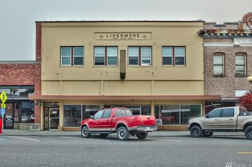 Lease As-is or Conference Center/Shared Workspace - 817 Metcalf St, Sedro Woolley, WAASKING: $480K