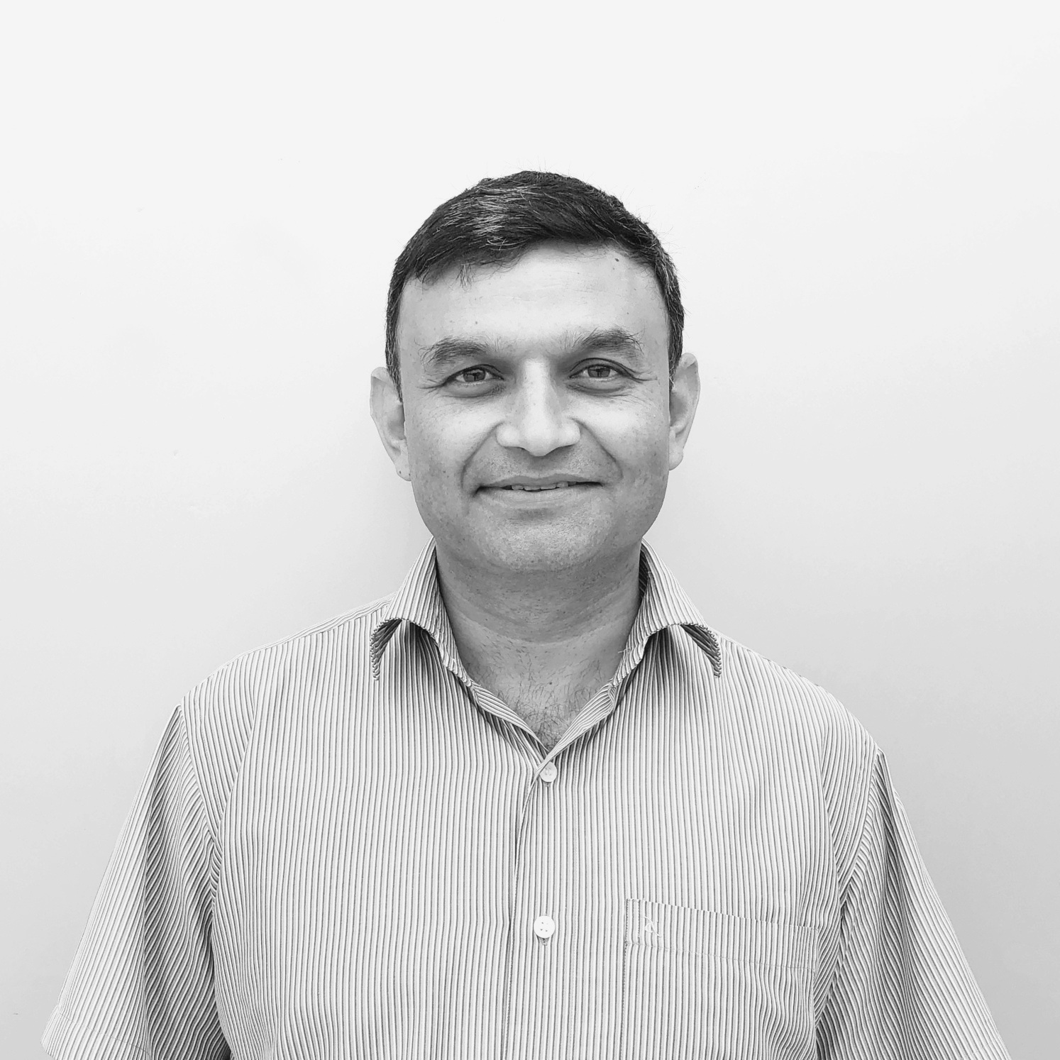 Navneet bhandari - Helicopter pilot with 20+ yrs experience at leading teams, training the trainers and managing training plans. Actively pursuing experiential design thinking. A skydiver, mountaineer & scuba diver currently engaged in cycling and squash.LinkedInTwitter