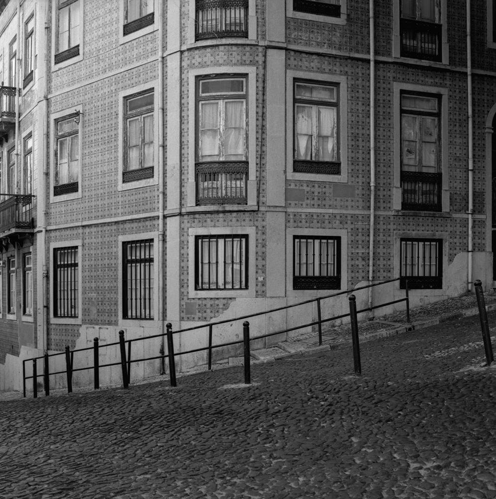 TriX-Lisbon-AroundCastelo1 11.jpg
