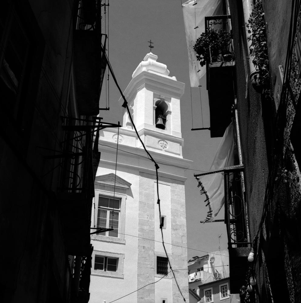 TriX-Lisbon-WalkingAround2 12.jpg