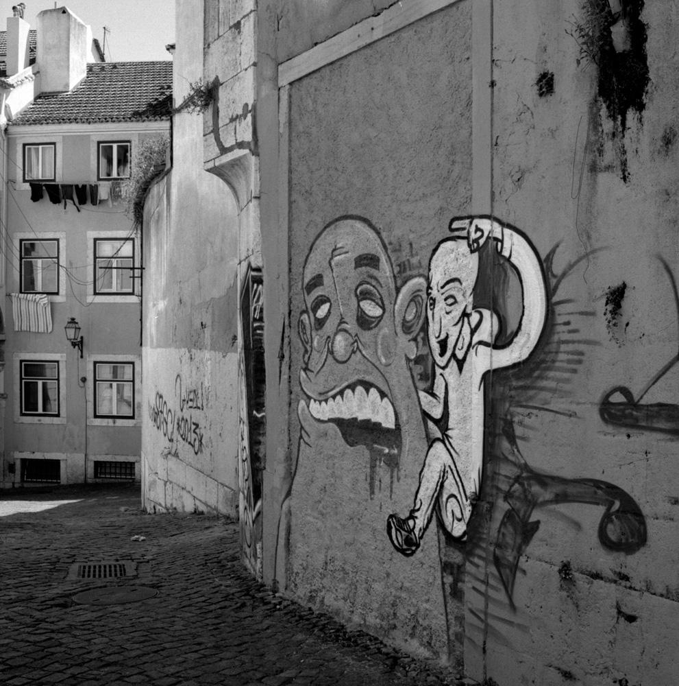 TriX-Lisbon-WalkingAround5 0.jpg