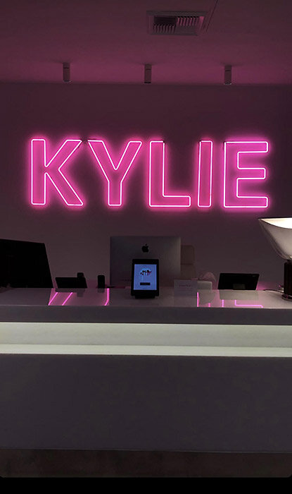 kylie-office-3-z.jpg