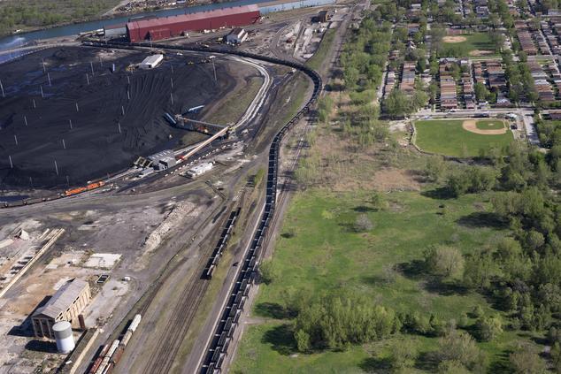 terry-evans-train-loaded-petcoke-10x6.jpg