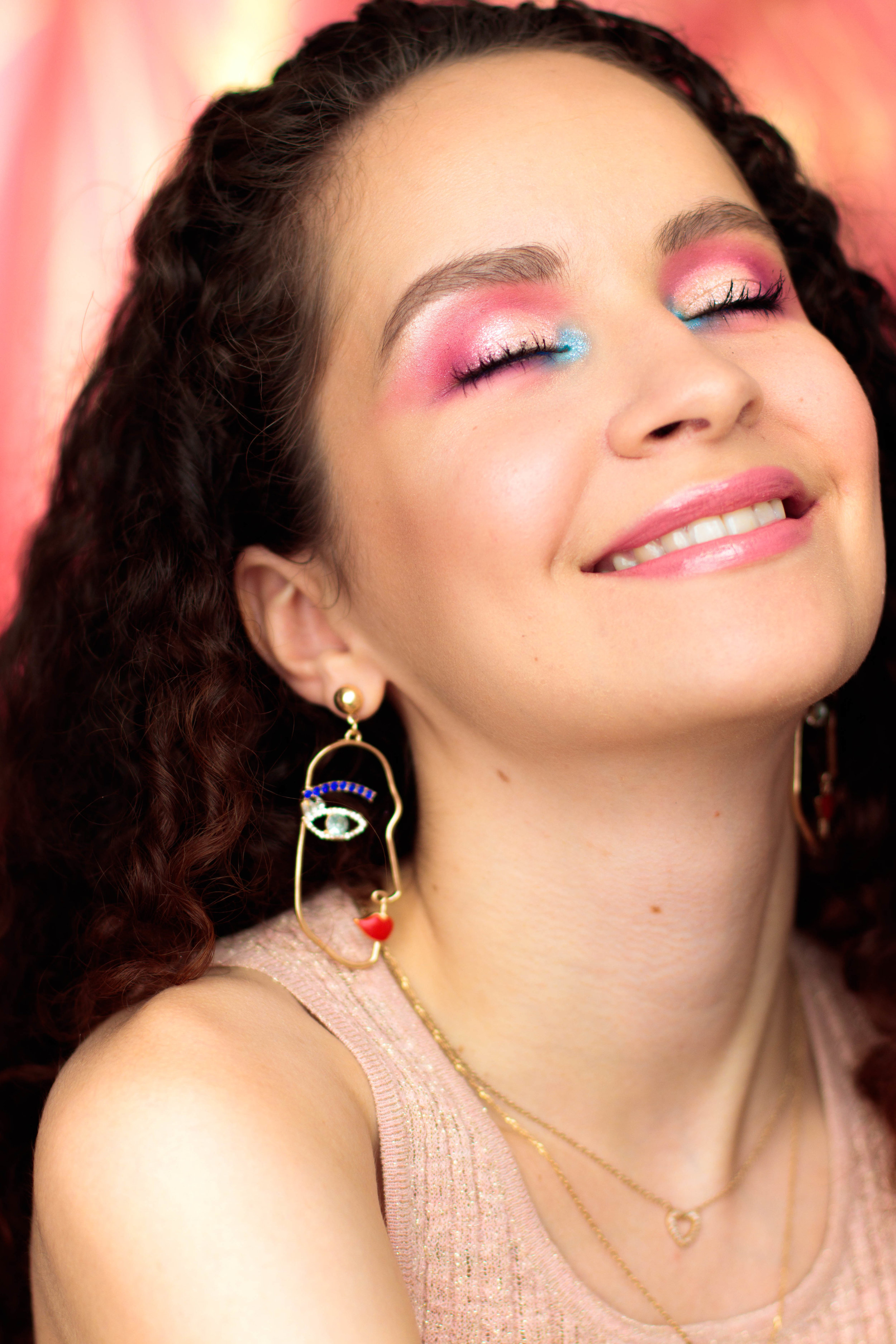 paradise-makeup-pauuulette-eyn-bright-matte-beauty-bay-5.jpg