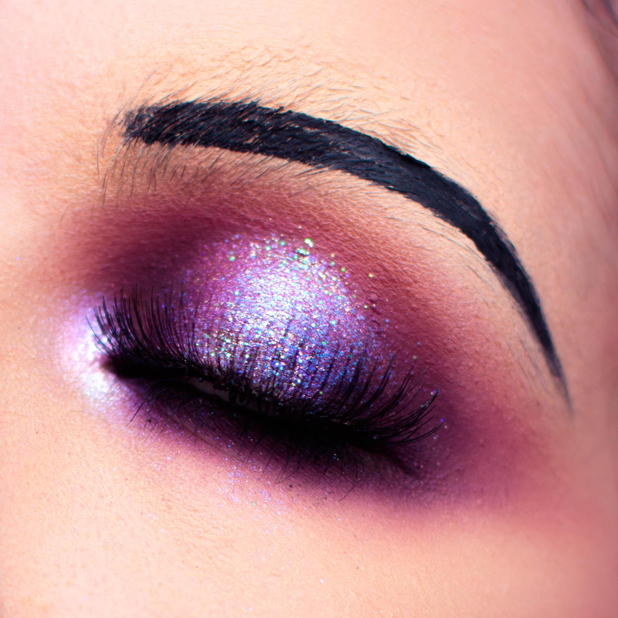 vintage-vampire-halloween-makeup-pauuulette-close-up.jpg