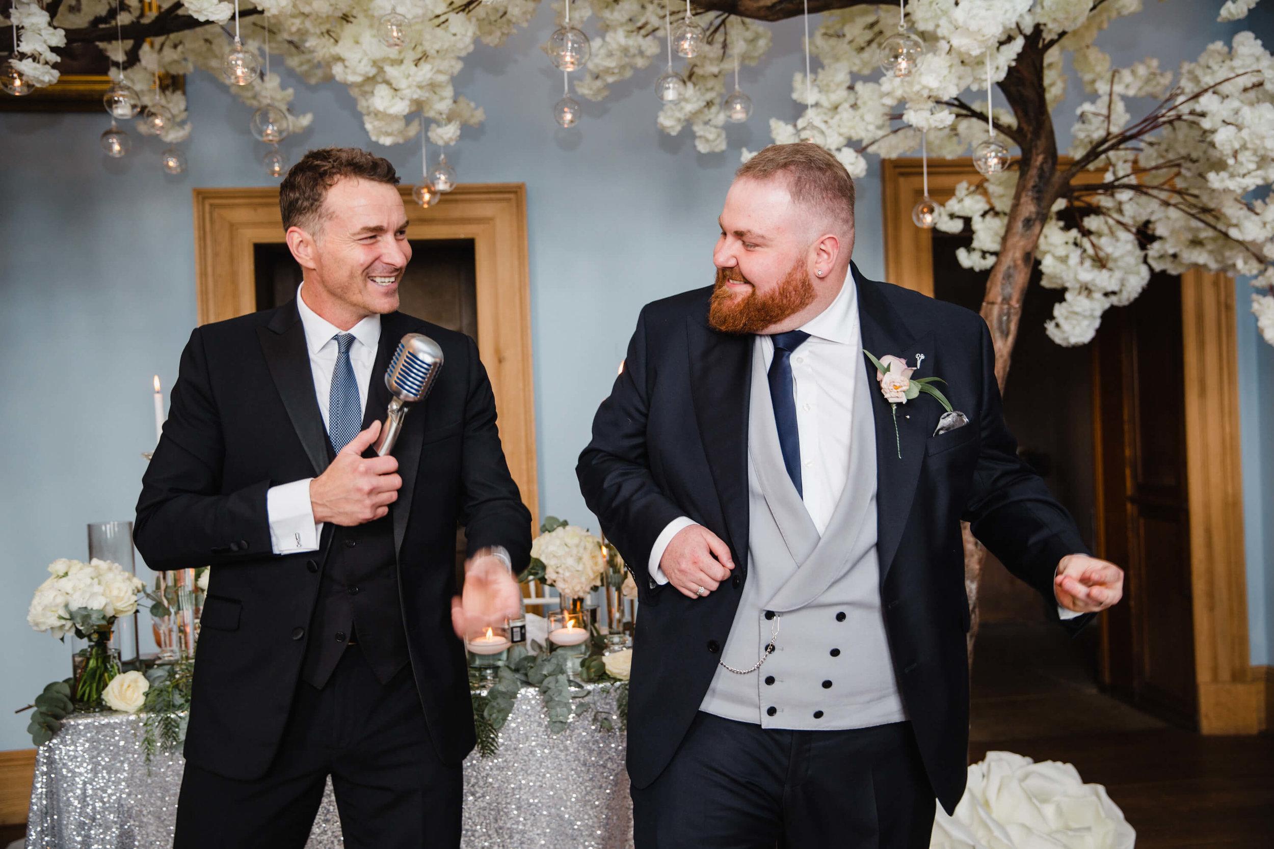 groom singing with howard wing wedding singer