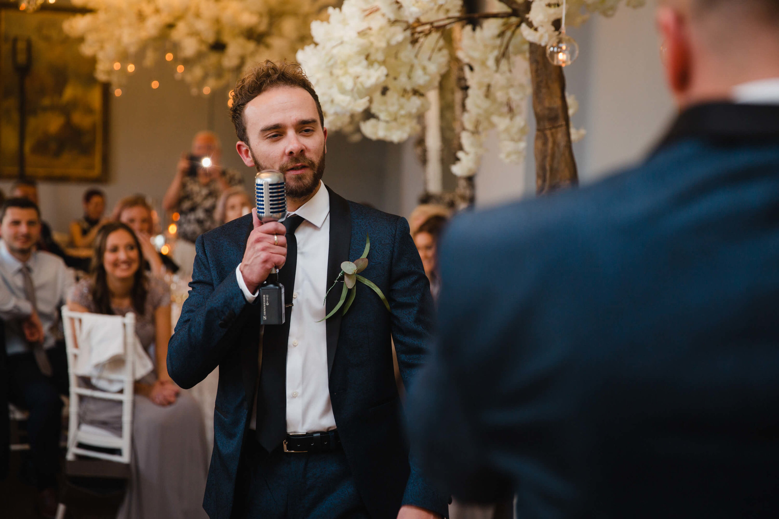 best man giving speech to guests